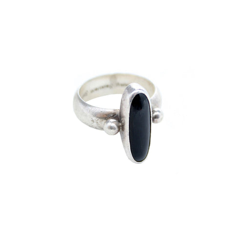 Vintage Native American Jewelry US 6 / Onyx Onyx Nights Vintage Ring