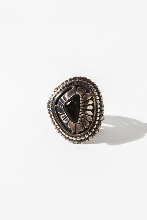 Vintage Native American Jewelry Onyx / US 8 Shield Vintage Native American Ring