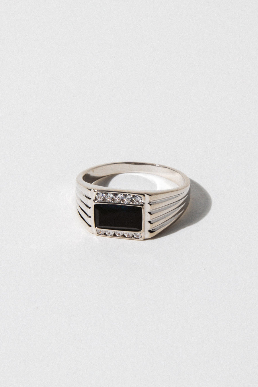 Sparrow Jewelry US 6 / Rhodium Levi Onyx Ring