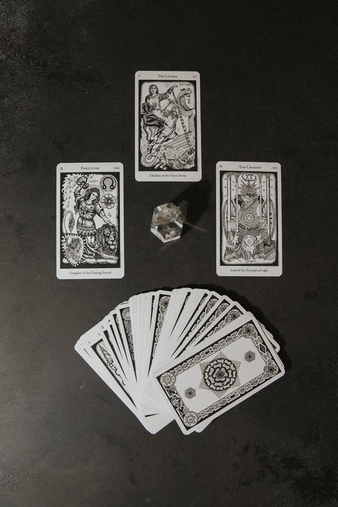 "US Games System Objects 3"" x 5"" / Black Hermetic Tarot Deck"