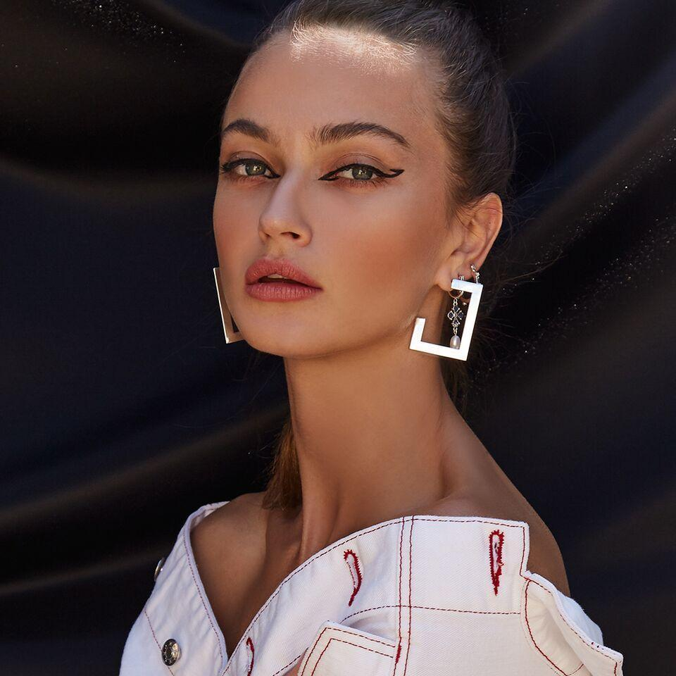 LUV AJ Jewelry Boxy Hoops