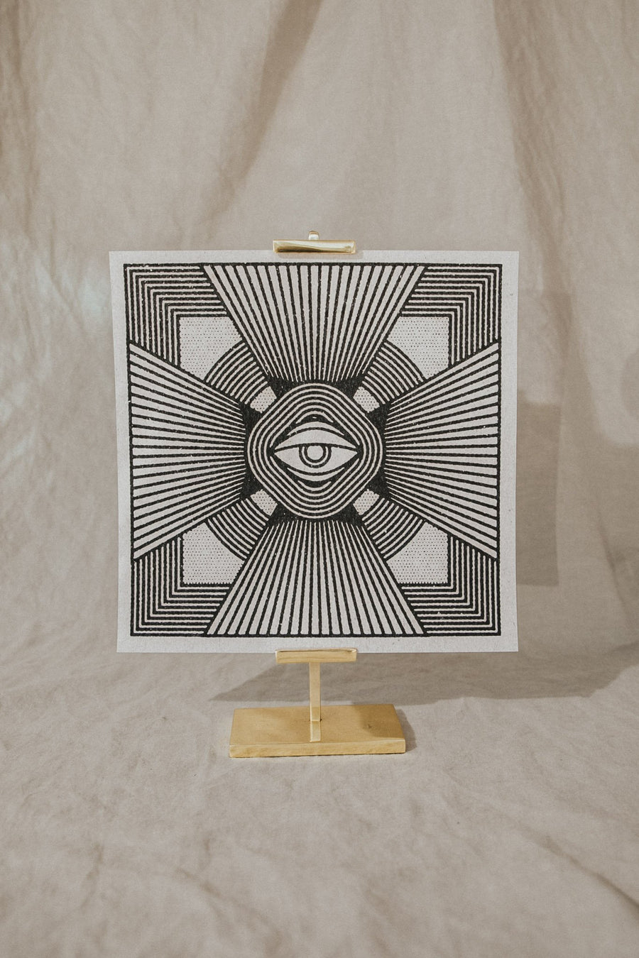 Realfunwow Objects 11 x 11 / Off-White / FINAL SALE Radiant Eye Print