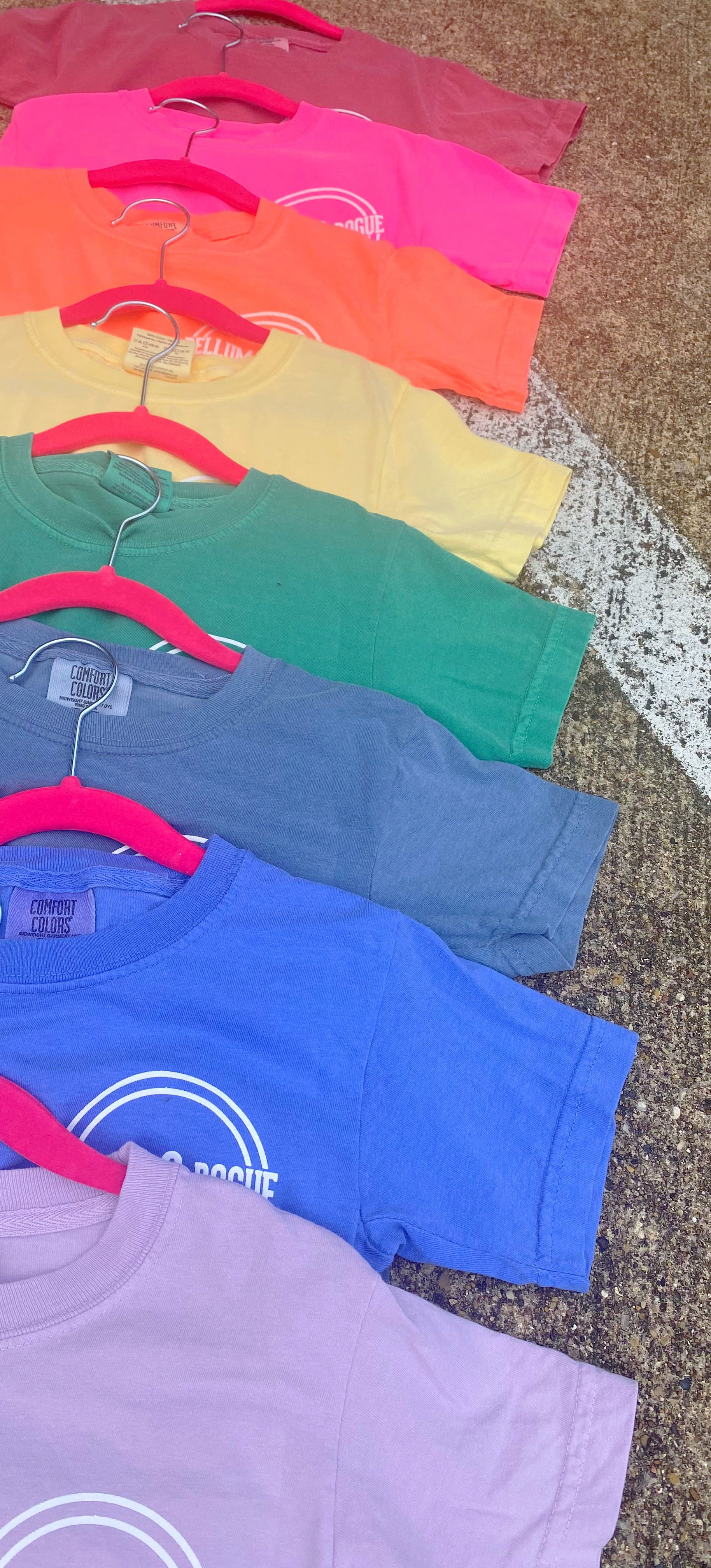 Kids Comfort Colors Short Sleeve Tee w Circle Logo