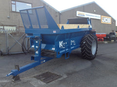 KTwo Duo 900 Mk5 manure spreader in blue