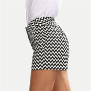 Casual Black And White Wavy Stripes Short Pants