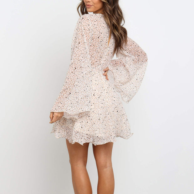 Sexy V-Neck Bell Sleeve Long Sleeve Lace-Up Slim Dress