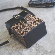 Fashion leopard rivet crossbody bag