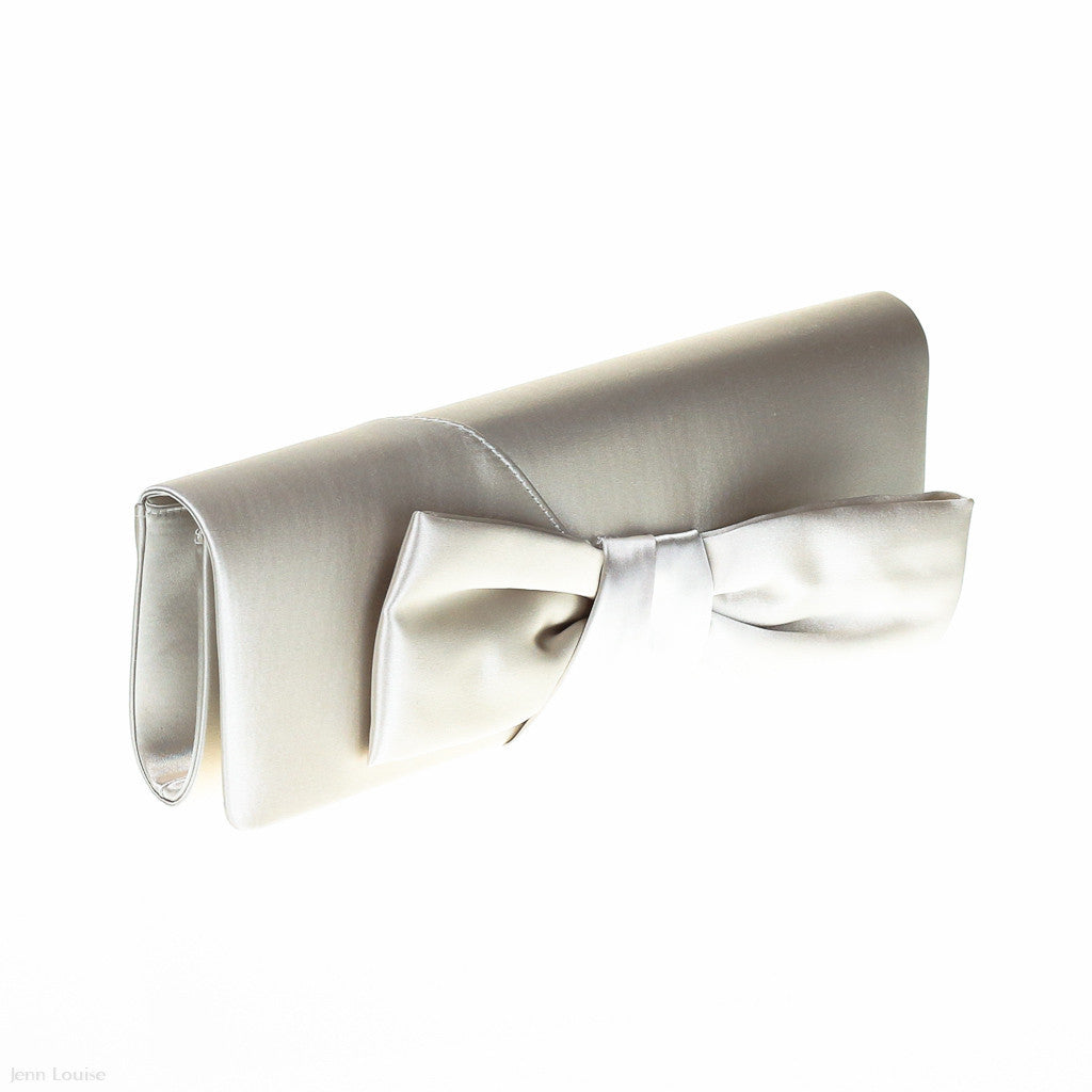 1418 Bow Clutch (Cream)
