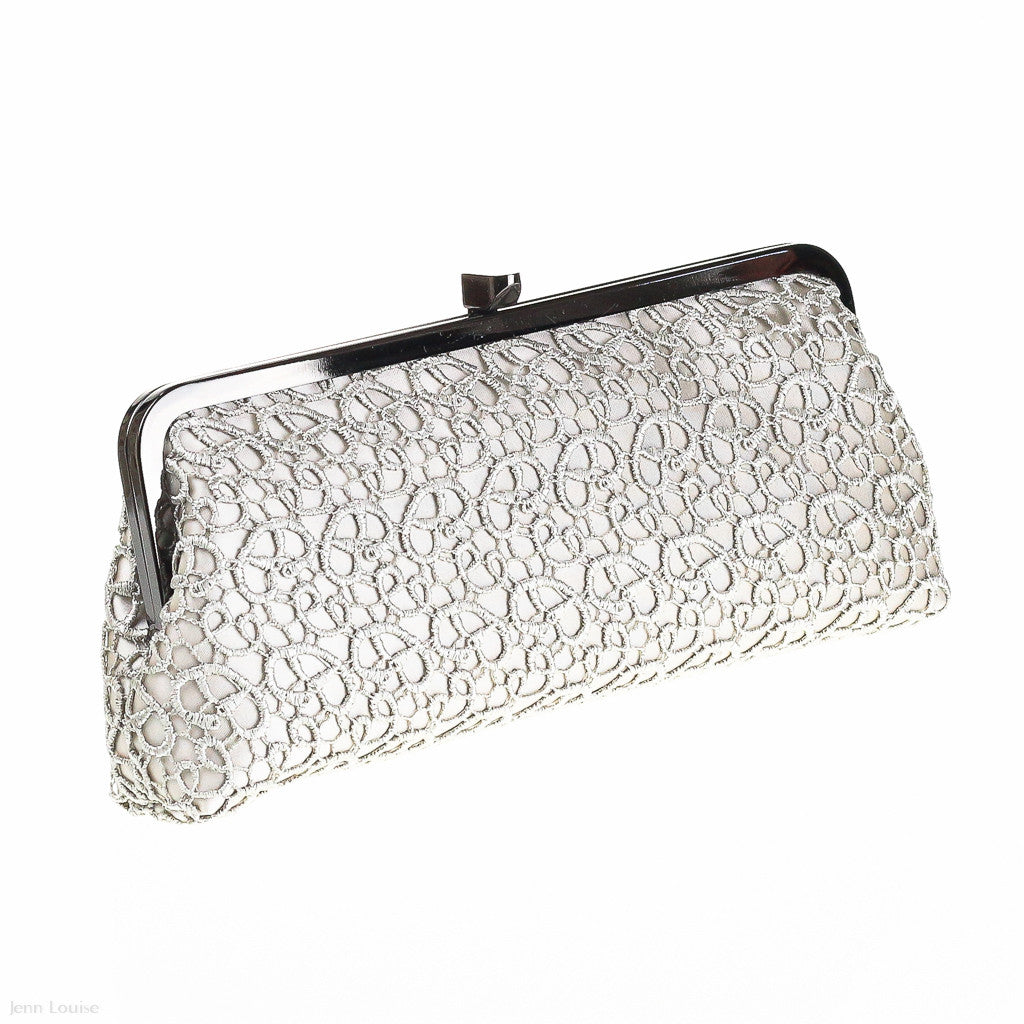 Lace Clutch (Oyster)