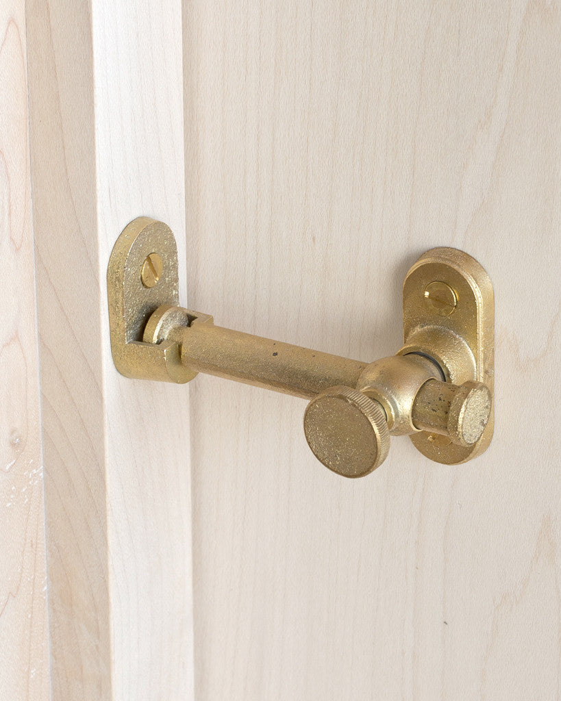 Matureware Latch Lock - Corner