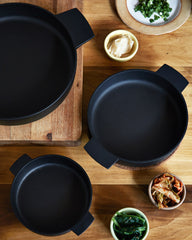 Nobuho Miya Cast Iron Baker Pan - Medium