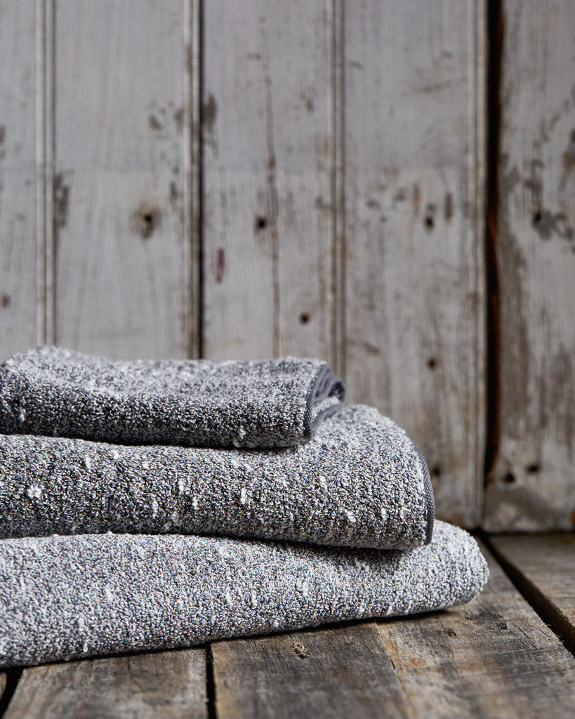 Uchino Kishu Binchotan Towels - Light Grey
