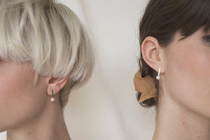 Load image into Gallery viewer, Dash Pearl Earrings in Sterling Silver