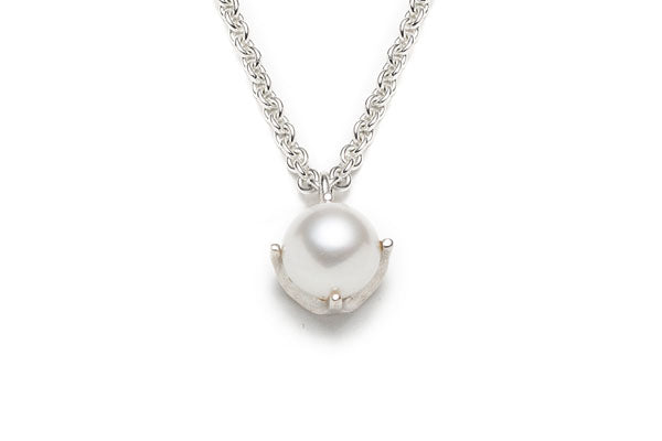 Vintage Pearl Pendant Necklace