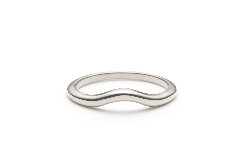Curve Band in Sterling Silver Size 6