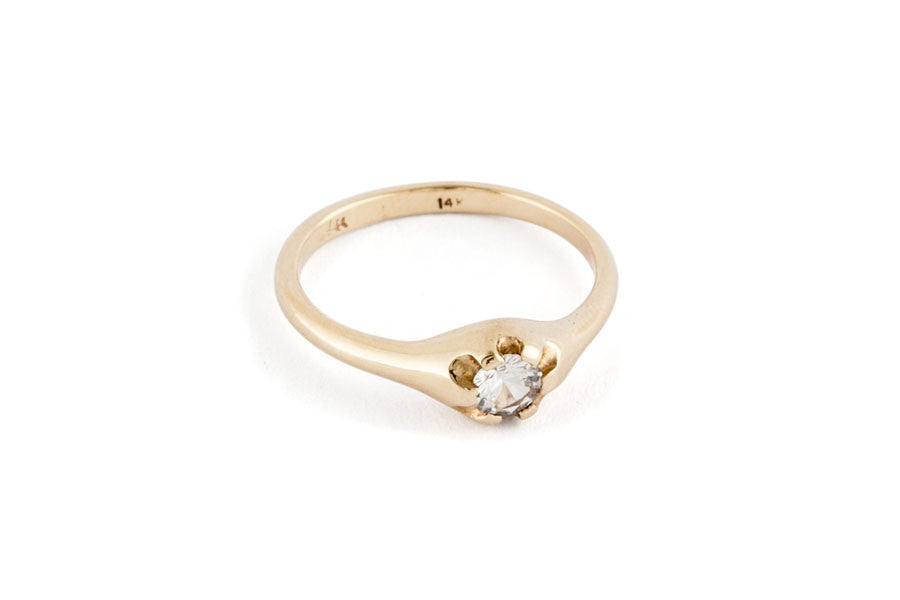 Load image into Gallery viewer, Petite Antique Solitaire Ring
