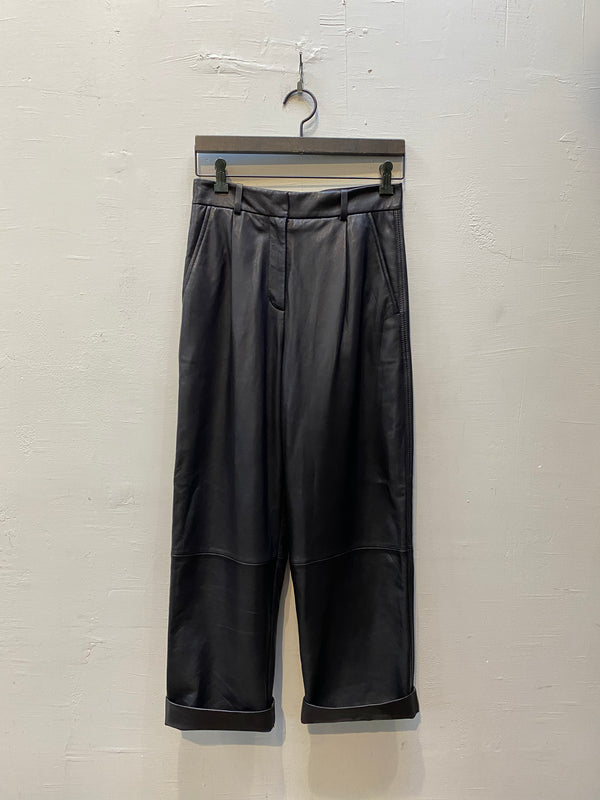 LTH JKT Son Wide Leg Pants - Black