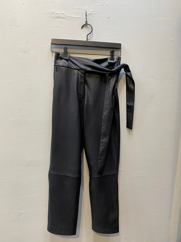 LTH JKT Bea Pants with Knot - Black