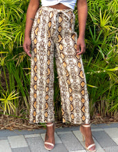 Load image into Gallery viewer, The Kristi Pleated Trousers