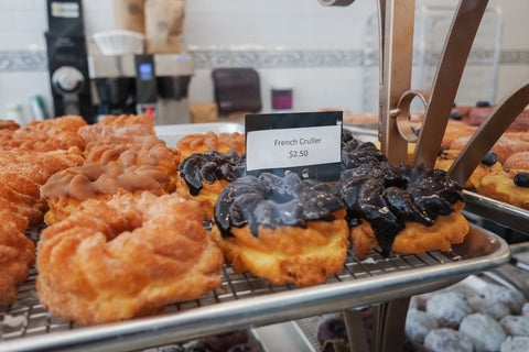 Review: Donut Petit (shouldn't it be Petit Donut?) in Alameda, California