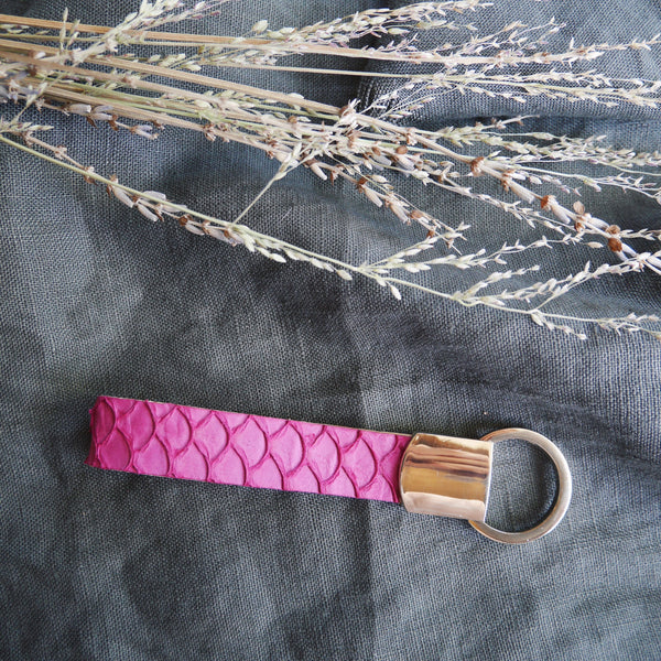 Fish Skin Leather Easy Release Keychain