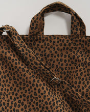 Load image into Gallery viewer, Nutmeg Leopard Tote