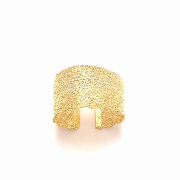 Vintage Gold lace cuff round flowers
