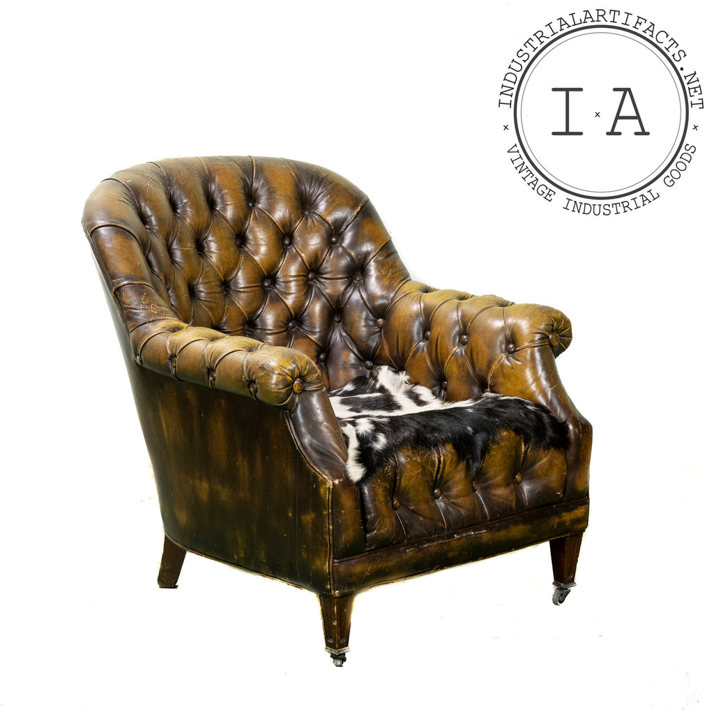 Antique Tufted Leather Armchair in Burnished Gold