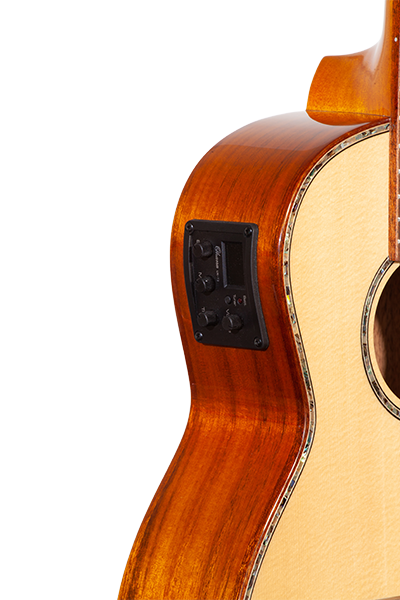 Solid Top TK-70KCE Solid Spruce & Koa with EQ tuner Tenor