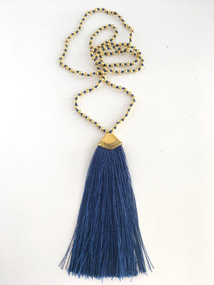 Temple Necklace / navy