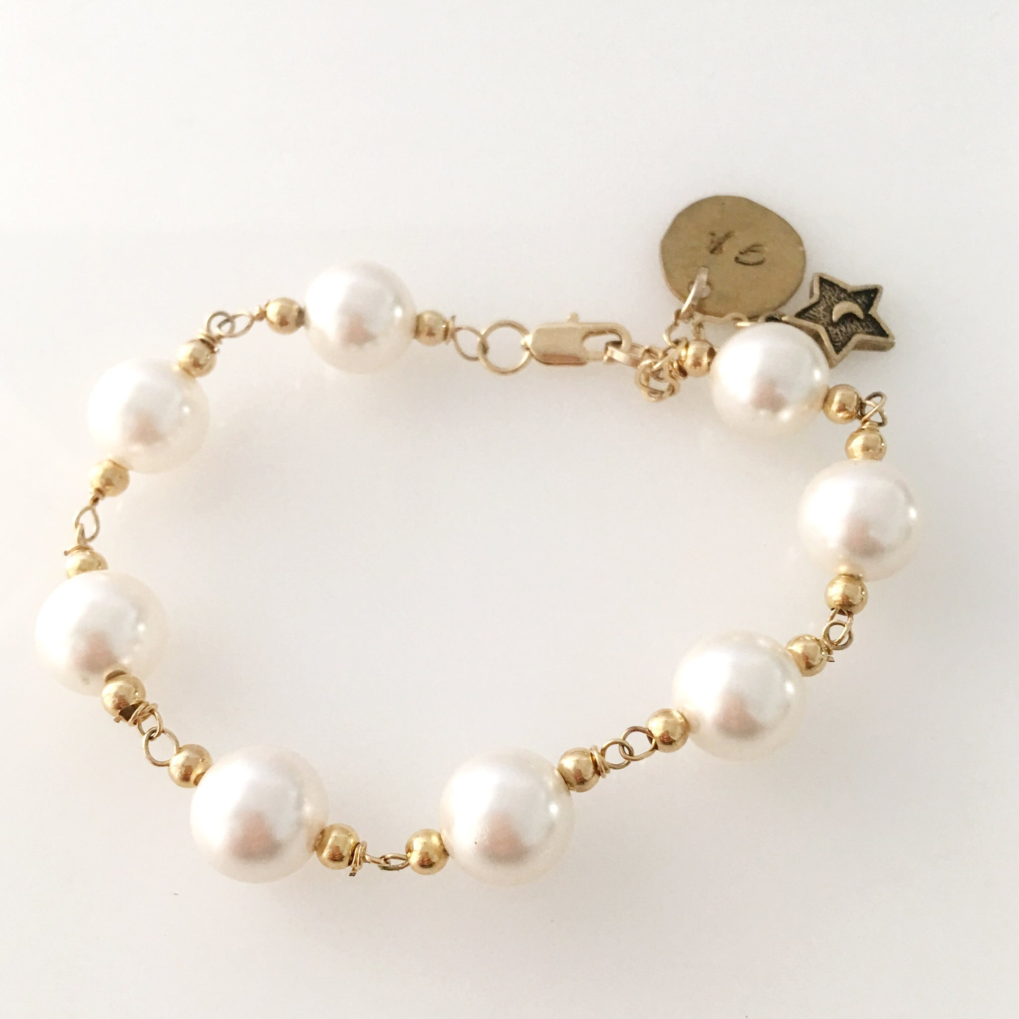 Jackie , dear ! Gold and pearls bracelet