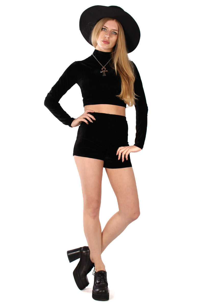 VELVET TURTLENECK CROP TOP IN BLACK ONYX