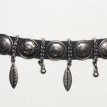 SILVER CHARM ORNAMENT CONCHO BELT