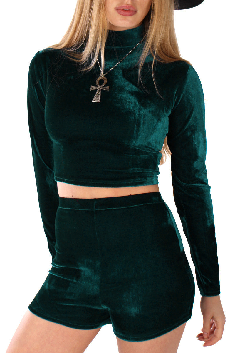 VELVET TURTLENECK CROP TOP IN EMERALD
