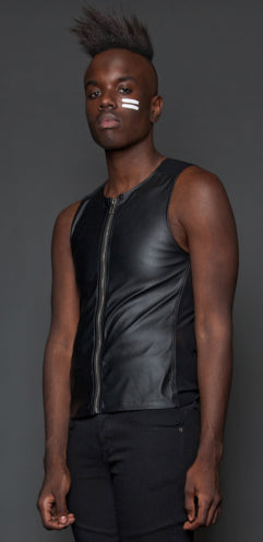 ZIP FRONT SLEEVELESS VINYL TOP