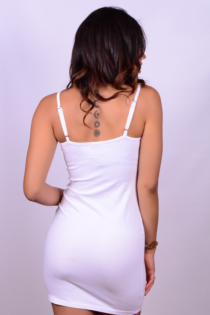 V NECK DRESS IN WHITE