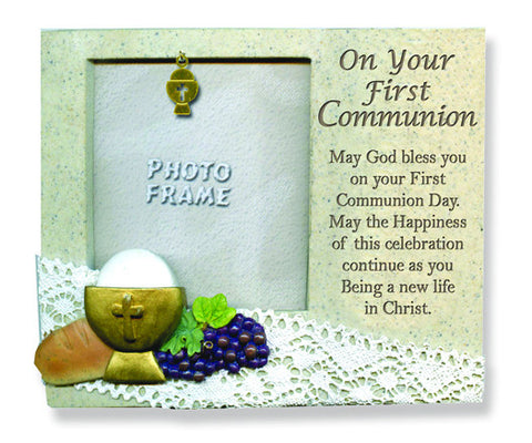 On your first communion photo frame (polyresin)