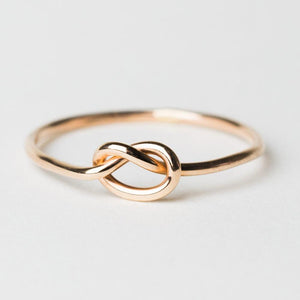 R404 - Knot Ring