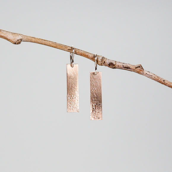 E129 - Hammered Bar on French Wire Earring