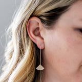 E133 - Fan shape earring