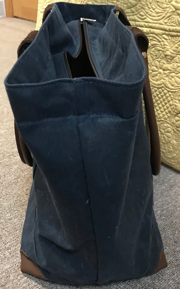 Sailwax Medium Zip Tote