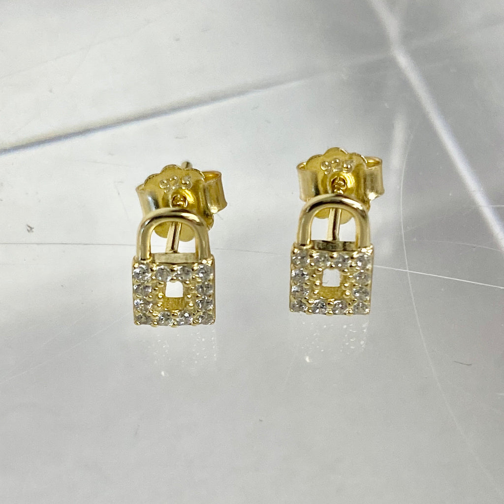 Dainty Pave Lock Posts