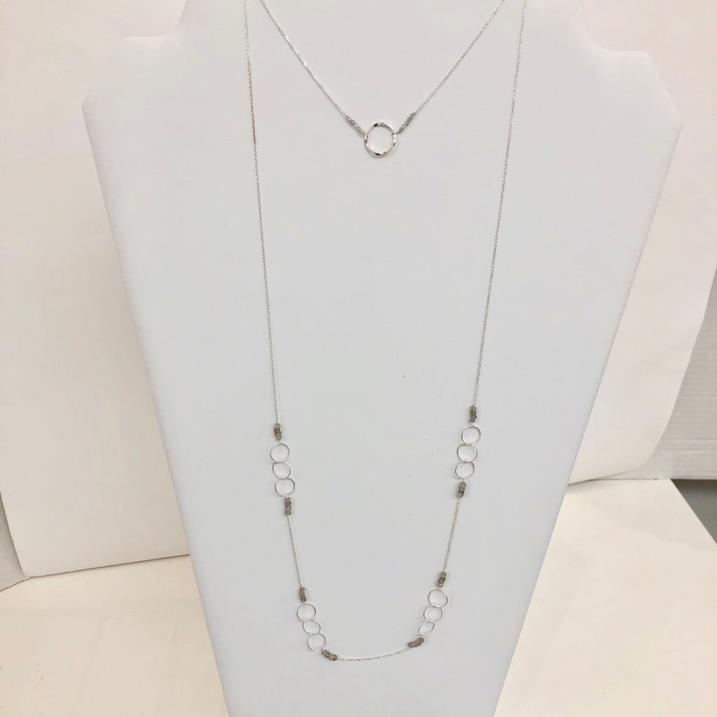 Long Thin Chain with Crystals and Open Circles(Also shown with short version)