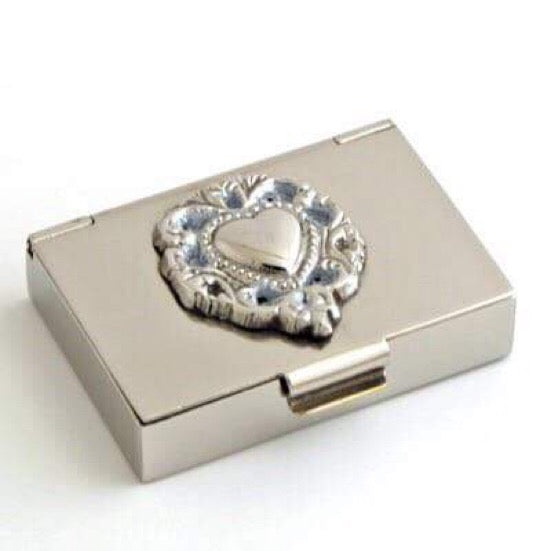 NICKEL HEART PILL BOX
