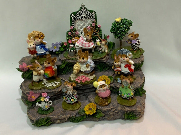 Great Log Display with Flowers for Wee Forest Folk- WFF Not Included