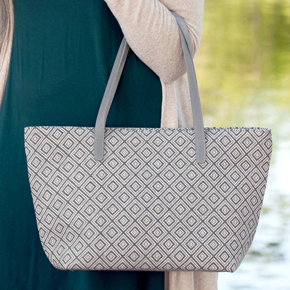 Charlotte Purse In Grey Diamond