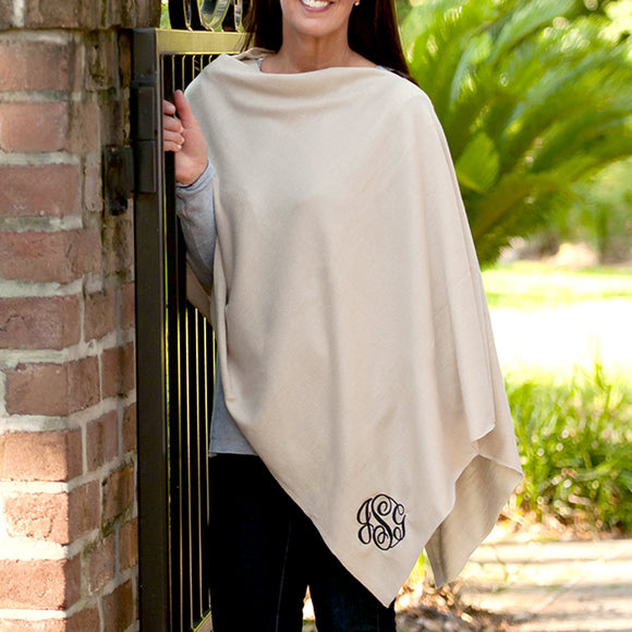 Chelsea Poncho In Creme
