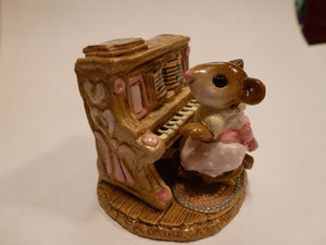 Wee Forest Folk Pink Mouse Pianist