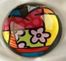 ROMERO BRITTO PAPERWEIGHT WITH APPLE DESIGN