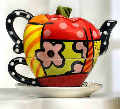 ROMERO BRITTO CERAMIC TEA FOR ONE APPLE TEAPOT